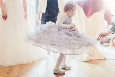 Adorable bridesmaid swirling her dress around. Spontaneous wedding photo's like this are my favourite to pull off! #bruidsfotografie #brides maid