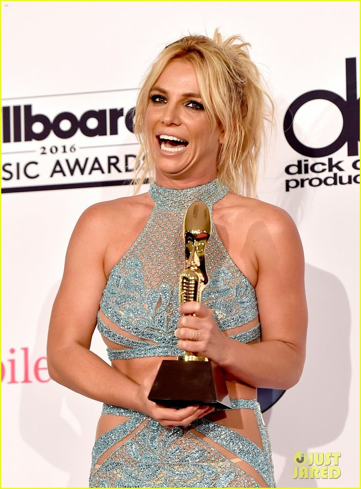 britney spears family shows support billboard music awards 2016 07