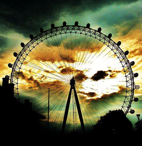 Ferris wheel. Gorgeous colors!
