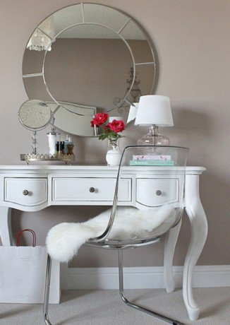Old and new creating a stylish dressing table here.