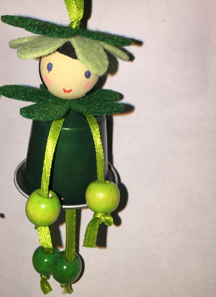 Daisies green 'coffee' doll nespresso riciclaggio creativo pallina albero di Natale