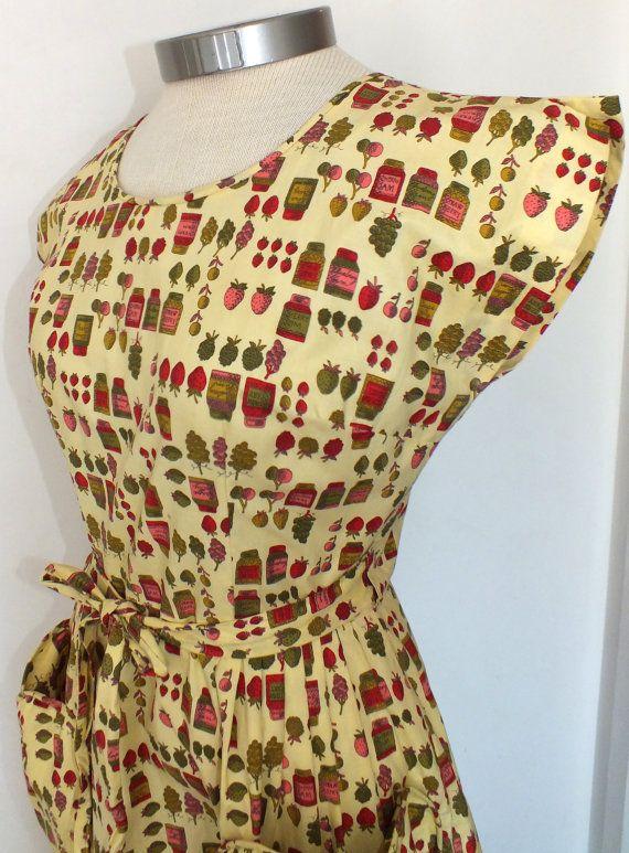 1950s Novelty Print Swirl Wrap Dress