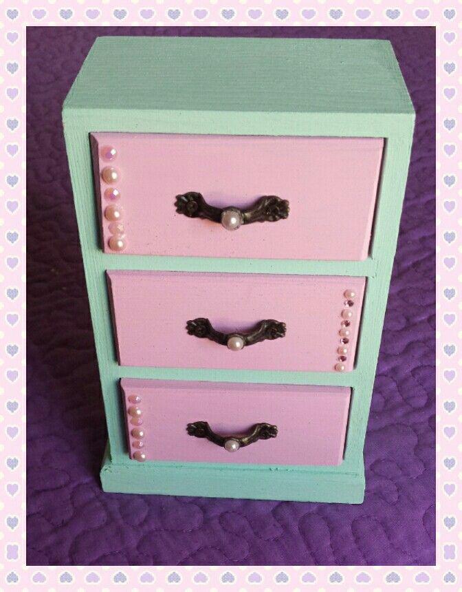 Oltre 25 fantastiche idee su cassettiera per gioielli su - Mini cassettiera ikea ...