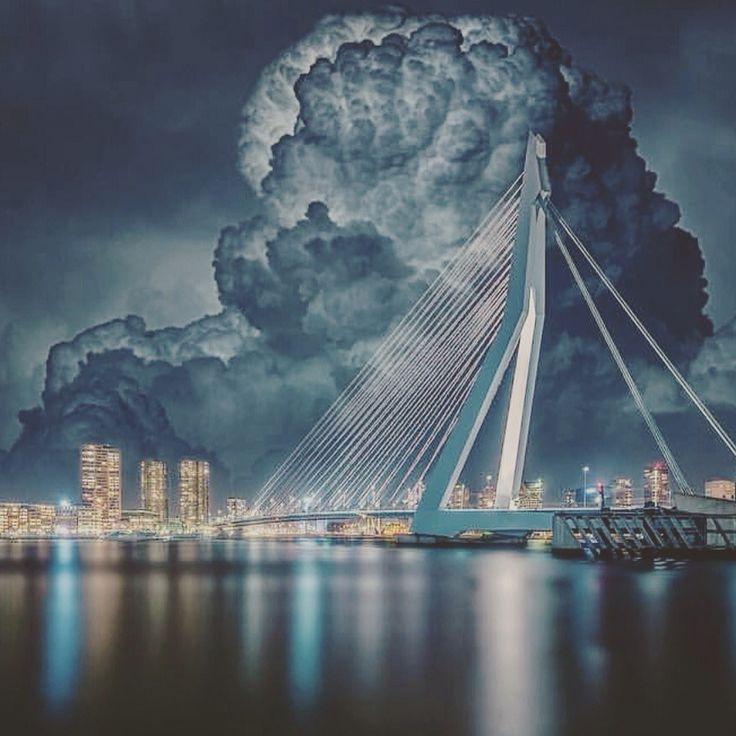 onweersbui boven de mooiste stad van Nederland. ROTTERDAM ECHT WEL''
