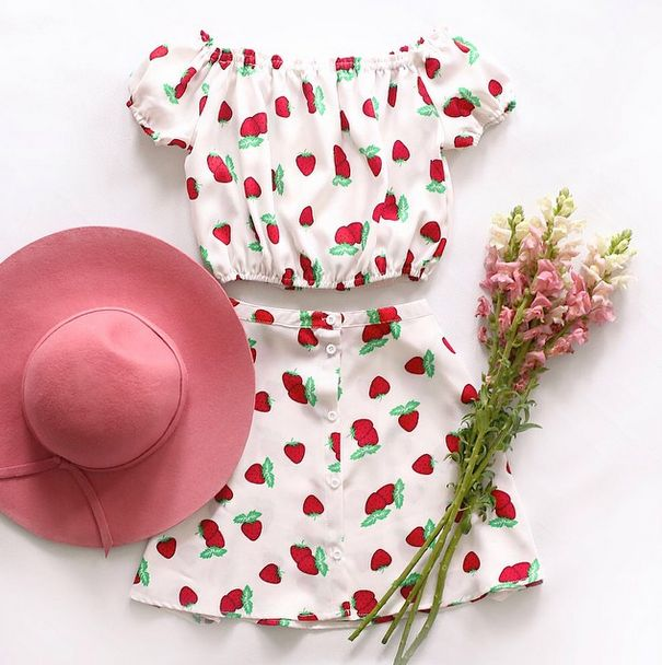 Ready for a lovely spring picnic with friends. This outfit would be perfect
