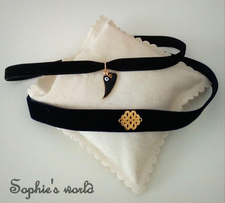 τσόκερ χειροποίητα κολιέ μαυρα βελούδινα  choker collar necklace goth black velvet gothic 90s fashion trend 2016 https://www.facebook.com/SophiesworldHandmade/