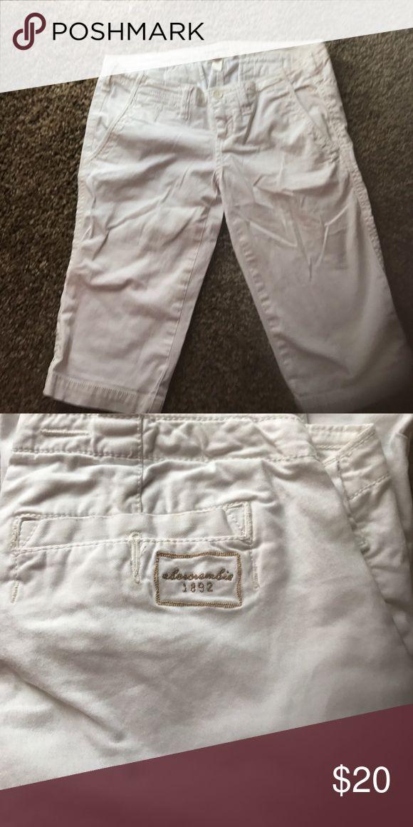 Abercrombie girls Capri pants White barely worn Abercrombie kids capris abercrombie kids Bottoms Shorts