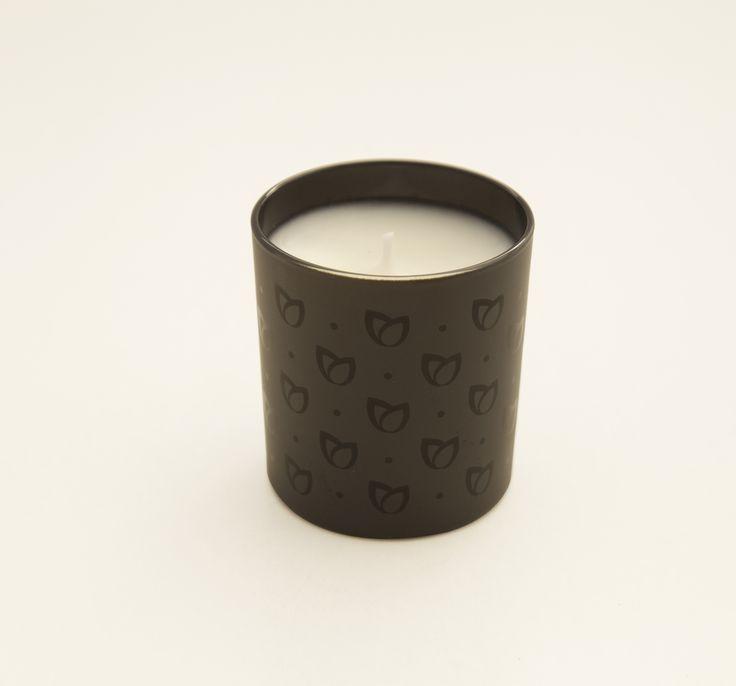 Descubre en tu tienda Equivalenza más cercana las velas aromatizadas con nuetsros perfumes de mayor éxito. ¿Cual será tu elección?