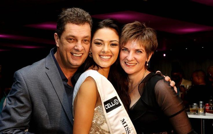 Miss SA Demi-Leigh Nel-Peters shares her plans for Father's Day @DemiLeighNP @Official_MissSA  @MillionThrills