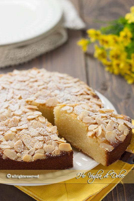 Torta di mandorle ricotta e limone soffice e morbida. Un dolce per chi ama le mandorle, la sofficità della ricotta ed il gusto fresco di limone. Una bontà