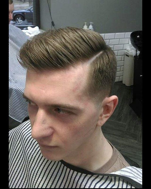 WEBSTA @ barber_nikkitoss666 - #fade #faded #fashion #cut #hairstyle #haircur #barberworld #barbershop #стрижка #стрижкаминск #барберы #барбершоп #барбер #фэйд#укладка#борода #Минск#брест #гродно #парикмахер #парикмахеры #парикмахермосква