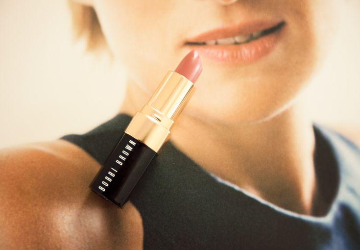 Kate Middleton's Lipstick: Bobbi Brown lipstick in Sandwash Pink