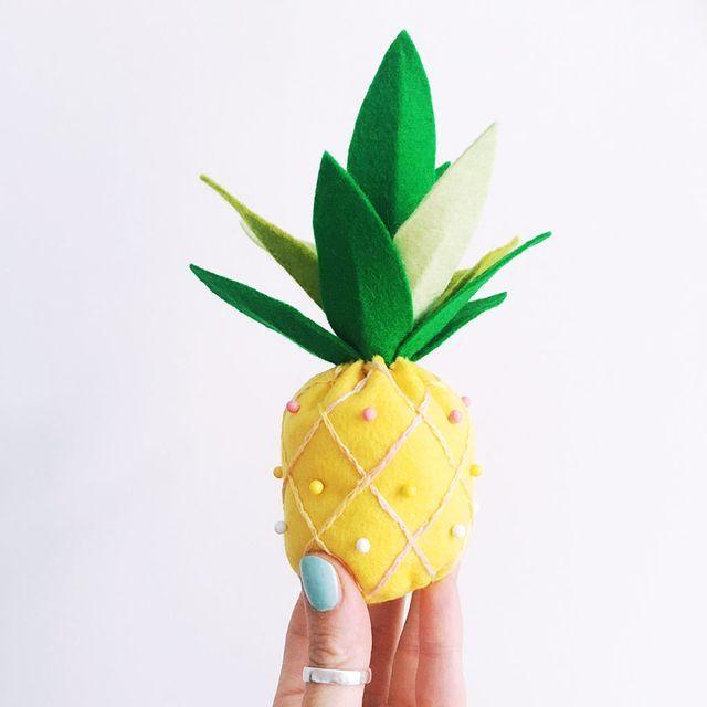 les 82 meilleures images du tableau ananas sur pinterest ananas artisanat d 39 ananas et artisanat. Black Bedroom Furniture Sets. Home Design Ideas