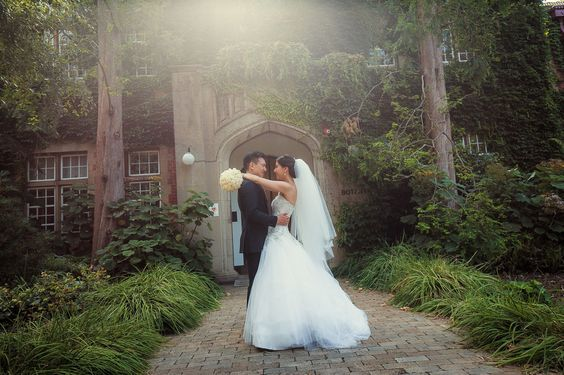 University of Melbourne Wedding Shoot (Source: Clarte Photography)