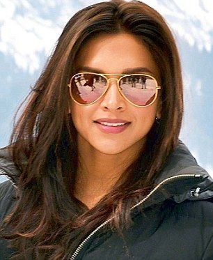 Deepika Padukone http://knowingdeepika.blogspot.com/   #beauty   #Style #Fashion #DeepikaPadukone #Bollywood  #deepika #padukone #vogue  #desi