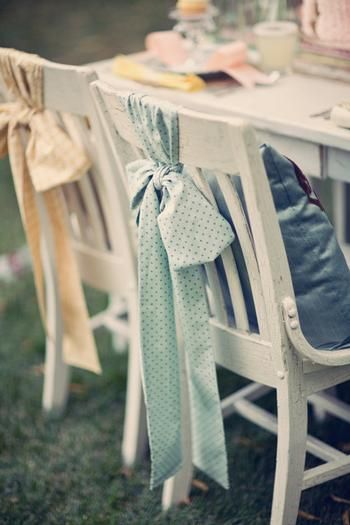 so simple and so sweet...: Chairs Sash, Chairs Decoration, Idea, Ribbons, Weddings Chairs, Ties, Fabrics Bows, Chairs Bows, Chairs Covers