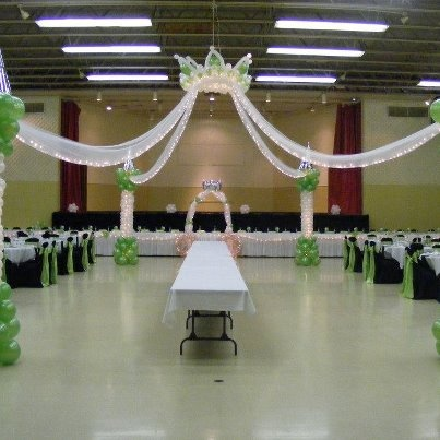 Princess dance floor by touch of heaven balloons for Floor decoration ideas