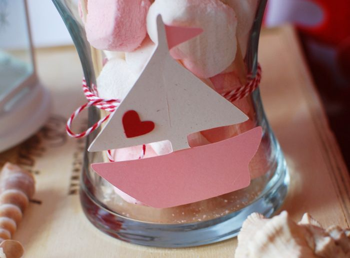 the cutest little paper sailboat: Boats Guest, Amy Atlas, Boats Parties, Valentines Day, Desserts Features, Paper Sailboats, At Sparkle Events, Guest Desserts, Atlas Events