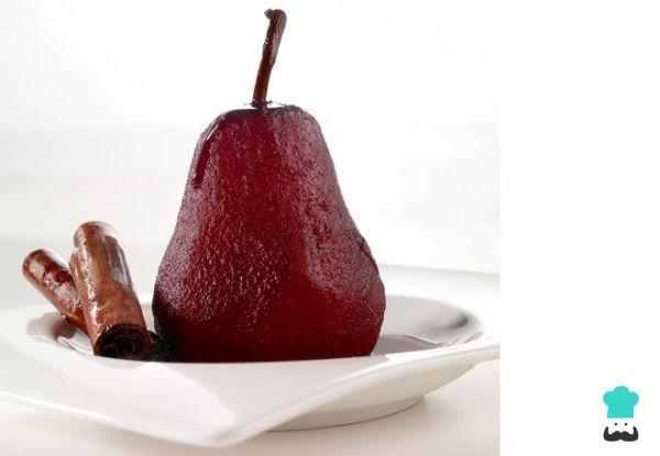 Aprende a preparar peras al vino tinto en olla rápida con esta rica y fácil receta. Las peras al vino son un postre muy tradicional, típico de la región de la Rioja...