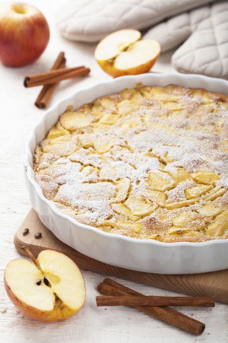 """750g vous propose la recette """"Tarte aux pommes normande"""" publiée par julierg."""