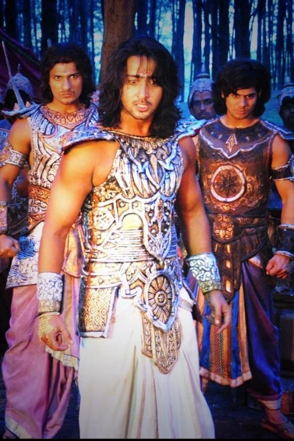 Mahabharat: Bheem's demon son Ghatotkacha enters the battlefield to take on the enemy forces at midnight! | PINKVILLA