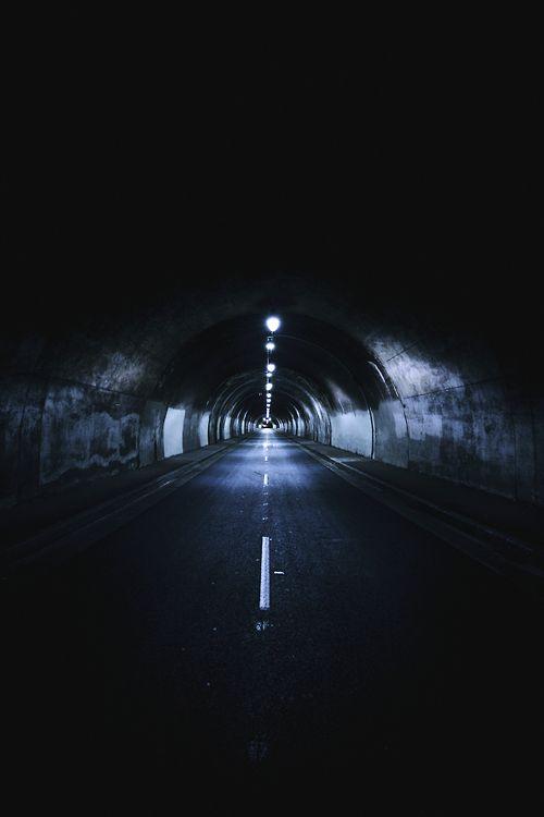 adonisarias:  3rd street tunnel - los angeles