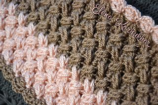 FREE CROCHET PATTERN - I'm not a cowl fan but I love this stitch! Its a good way to learn a new stitch.