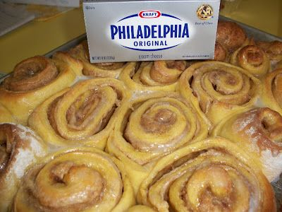 Pumpkin Cream Cheese Sweet Rolls--OH MY WORD! Perfect for mornin after Thanksgiving.