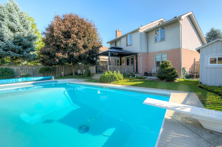 34x16' In-Ground Pool! 3 Bedroom, 2.5 Bathroom, 2-Storey on a Quiet Crescent in the Northeast!  $289,900 - www.ForestCityTeam.com   #LdnOnt #RealEstate #Realtor