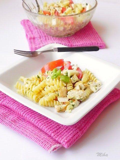 Salata de paste cu piept de pui