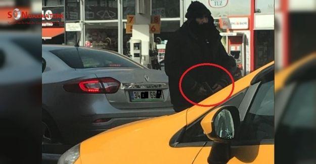 Beşiktaş'ta elinde silahla dolaşan sakallı adam kim?