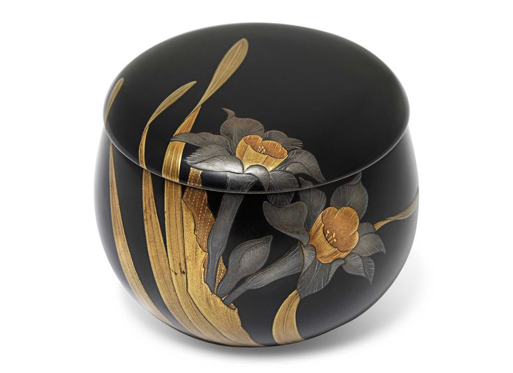 A Lacquer Kogo [Incense Box] Signed, Edo-Meiji period (mid-late 19th century) 6cm. high