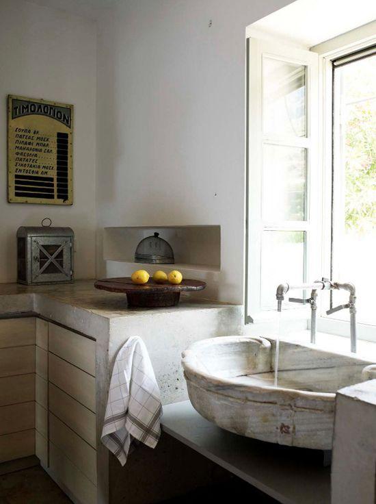 rustic kitchen sink (via My Paradissi)