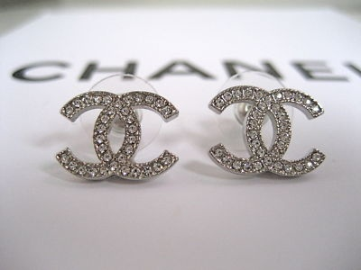 My husband got me these Chanel studs for my b-day!! I love them..!!