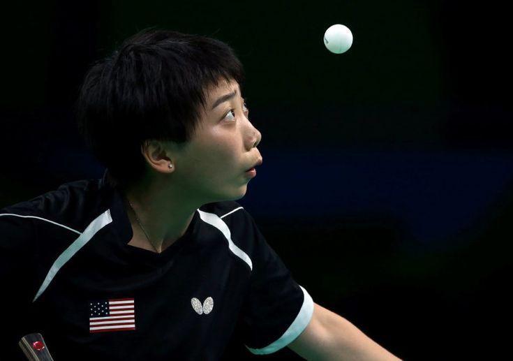 Fokus: Yue Wu (USA) konzentriert sich bei ihrem Tischtennis-Match gegen...