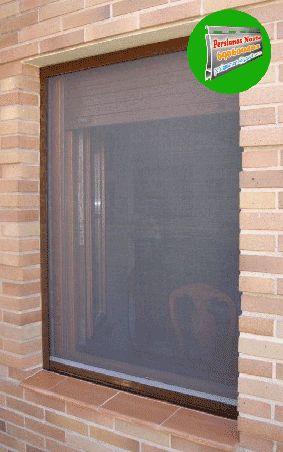 Instalación de mosquiteras enrollables. http://persianasnorte.es/mosquiteras/