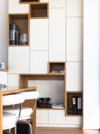 Bibliothèque sur mesure chêne + laque blanche design by FØLSOM Studio