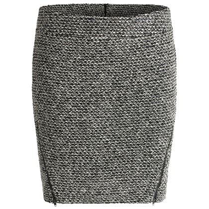 Leuke grijze rok in het grijs. Deze rok is casual te dragen zowel zakelijk! Voor iedereen geschikt dus ♥