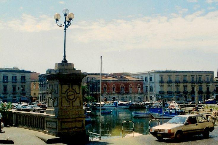 waterfront of Ortiga - the water separates Ortiga from Siracusa