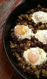 Haftasonu kahvaltılarınız için nefis ve doyuruc bir tarif Sahanda Kıymalı Yumurta  http://www.mutfaknotlari.com/sahanda-kiymali-yumurta-tarifi.html