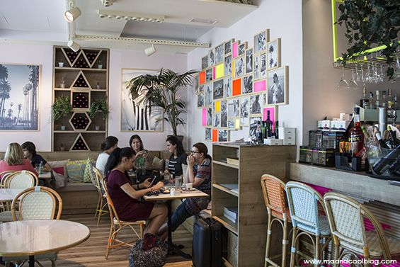 """Wanda (Madrid). """"Café optimista"""" ubicado en Castellana, que también es restaurante, donde comer comida rápida y saludable y combinarla con unos cócteles. Junto con su cocina internacional y su interiorismo tropical, se han convertido en un must de la temporada."""