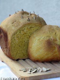 Pane alla zucca - con macchina del pane