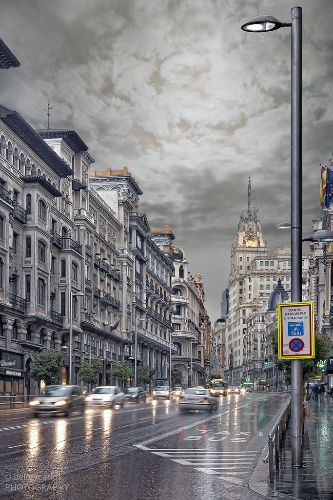 Llueve en Madrid, Spain