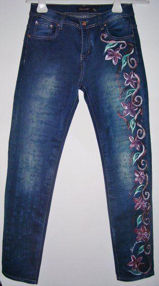 Jeans dipinti a mano con colori per tessuti,lavabili in lavatrice fino a 40C° Lavare e stirare al rovescio senza vapore. Taglia 44 95% cotone 5% elastico