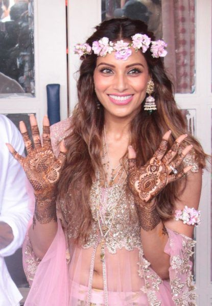 "Bipasha Basu is All ""Flowered"" Up In Her Sangeet and Mehendi Ceremonies! - Eventznu.com - The fashion and beauty blog"