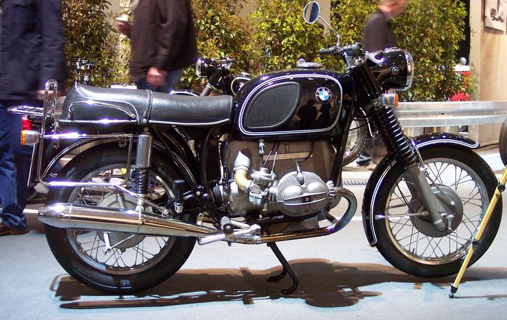 Ok, we need to know our past to know where we are going. But here starts the good stuff. BMW R75/5 Year: 1970 750cc Engines complete redesign.