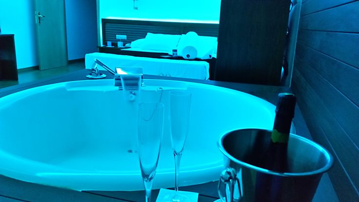 bañera redonda Suite Margarita Bonita Senator Marbella Spa Hotel