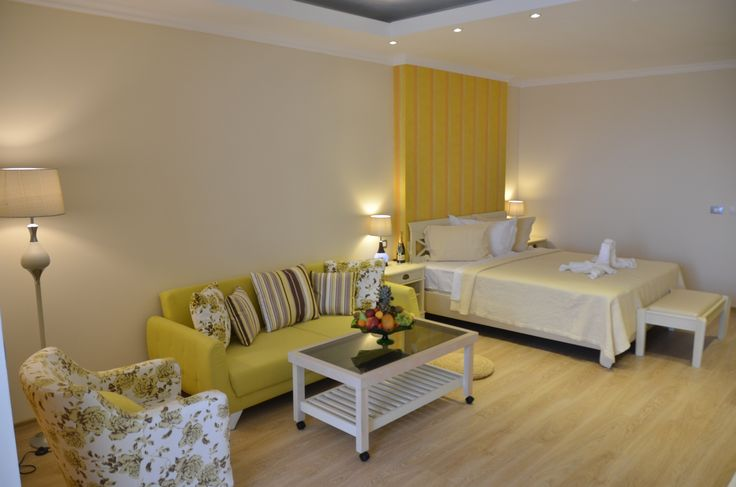 Twin room offers a large space with 2 beds,a sofa,a bath and a balcony,very cofortable and hospitable! Phoenicia Luxury Hotel 4*
