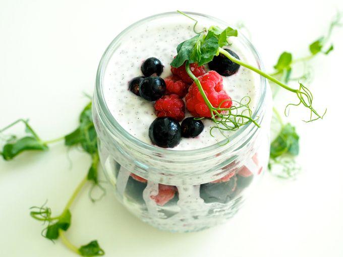 Chia-kookosvanukas-marjoilla / Chia coconut pudding with berries from my blog superlemon.fi/blog
