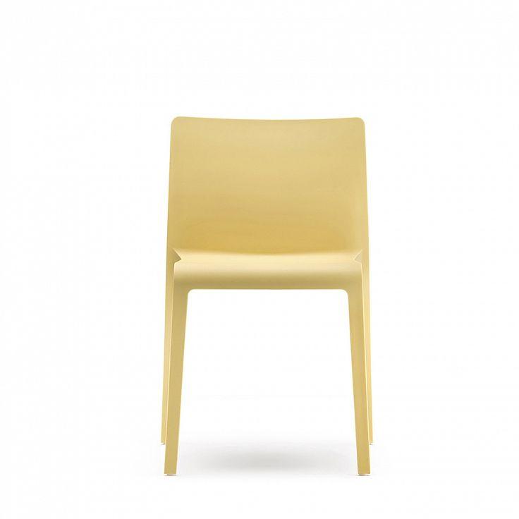 Glass reinforced polypropylene chair 'Volt' by Pedrali